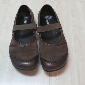 Earth leather slip on maryjane style shoes